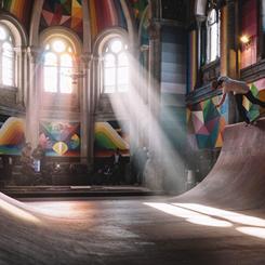 Kiliseden 'Kaos Tapınağı'na Renkli Dönüşüm
