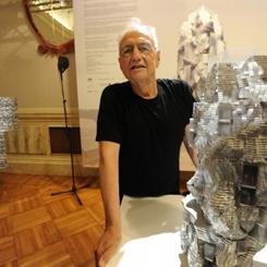 Frank Gehry'ye Harvard Sanat Madalyası