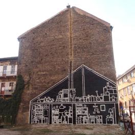 Eski Yaşamların Duvardaki İzi