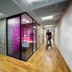 Verimli Ofislerin Anahtarı: Hareket Temelli Çalışma Sistemi