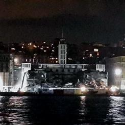 Karaköy Yolcu Salonu'nda Ciddi Hasar