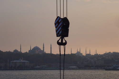 """Salıpazarı'na Komşu Galeri Apel'den """"Liman"""" Sergisi"""