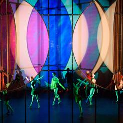Olafur Eliasson'dan Renkli Sahne Tasarımı
