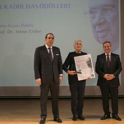 13. Kadir Has Üstün Başarı Ödülü Prof. Dr. Sema Erder'in