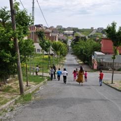 Kent ve Çocuk'ta Ayın Konusu; Sokaklar