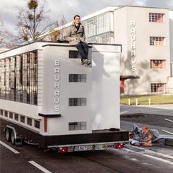 Bauhaus Otobüsü, Ekolün Mirasını Keşfetmek Üzere Turuna Başladı
