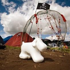 Toplum Sızdırır; Festival de Katalizör Olur