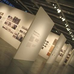 Mitleri ve Klişeleri Yıkarak İstanbul'a Bakmak: '1910-2010'