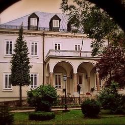 Çetinye'nin Büyükelçilikleri ve Hayaletler