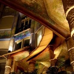 Gaudi'nin Rüyasında Adımlamak