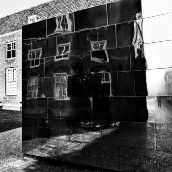 Carla Ellens / Urban reflections