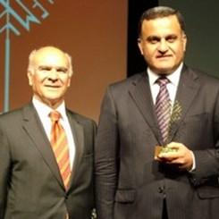 Altın Çekül Yapı Ürünü Ödülü Çimsa Çimento'nun