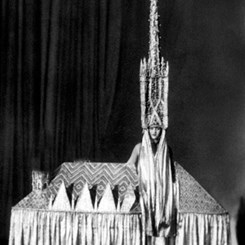 Cadılar Bayramı Bayağılığı Mimarlık Kostümleri Yarışmasına Dönüşürse