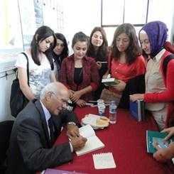 Doğan Hasol Bursa'da Öğrencilerle Buluştu