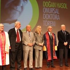 İstanbul Kültür Üniversitesi Doğan Hasol'a Onursal Doktora Verdi