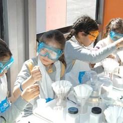 BASF'in Kimya Tırı İstanbul Modern'e Park Etti