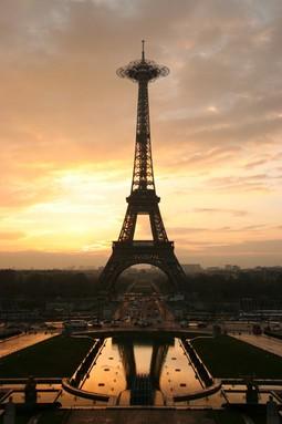 Serero Architects - Eiffel Tower Extension