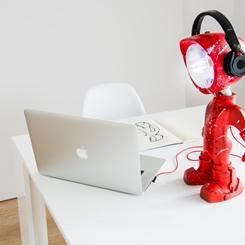 Çalışma Masanızın Yeni Ortağı Lampster'a Merhaba Deyin!