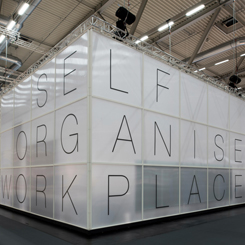 Koleksiyon Ofislere Yönelik Yeni Tasarımlarını Tanıttı