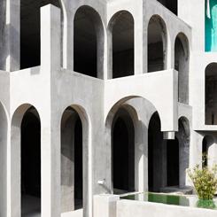 Heykeltıraş Xavier Corbero'nun Labirent Evi