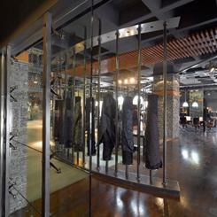 Sanayi Müzesi Havasında Jean Mağazası
