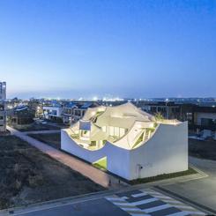 IROJE KHM Architects'ten Uçan Ev