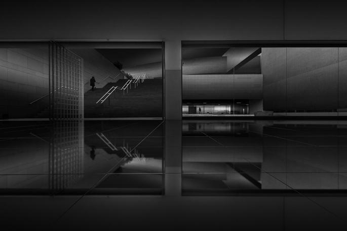 Dimensions / Franklin Neto