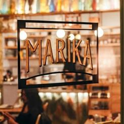 Kurtuluş'ta Bir Kapı Komşusu, Marika