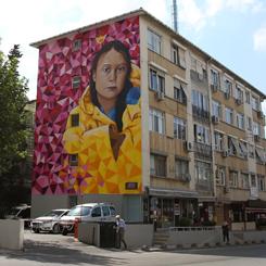 İklim Aktivisti Greta Thunberg Kadıköy Duvarlarında
