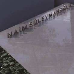 Deren Uysal Architecture, Naim Süleymanoğlu'nun Mezar Tasarımı ile Birincilik Ödülü Aldı