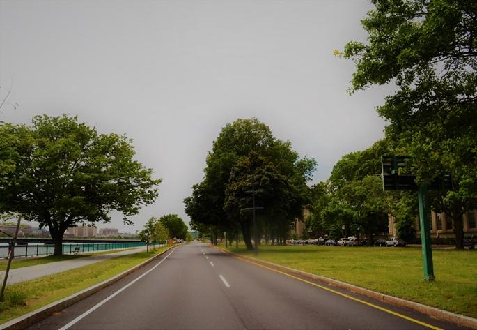 Memorial Drive, adeta ulaşım, trafik ve toplu taşımacılıkla ilgili yeni sorulara yanıt ararken, Cambridge, MA, 9 Haziran 2020.