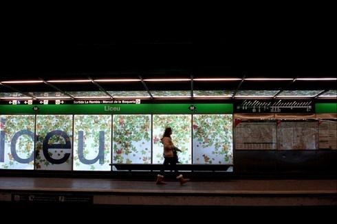 Geniş bir ağa sahip olan Barselona Metrosu