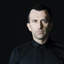 Derin Sarıyer 'Yorulduysan' ile Müzik Çalışmalarını İkiledi