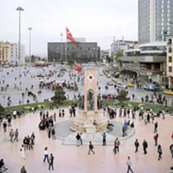 İstanbul'un Kamusal Alan Sorununu Meydana Koyan Sergi: 'Agora'