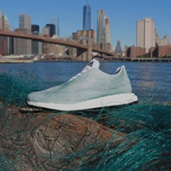 Adidas'ın Yeni Ayakkabısı Okyanusları Temizliyor