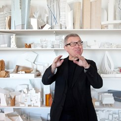 Frankfurt Sokakları Libeskind Müzikleriyle Çınlayacak